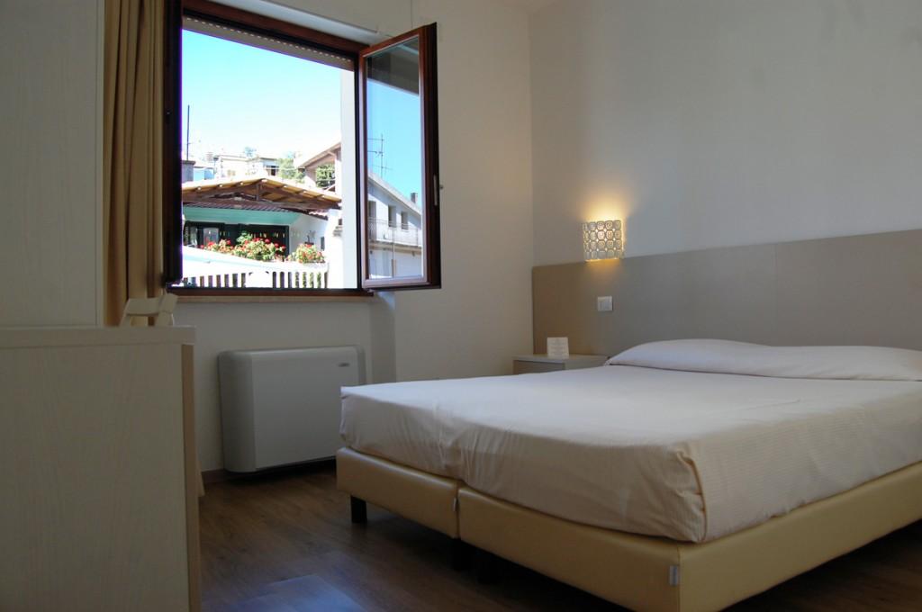 hotel-nettuno-cala-gonone_fotogallery-camera-classic-2