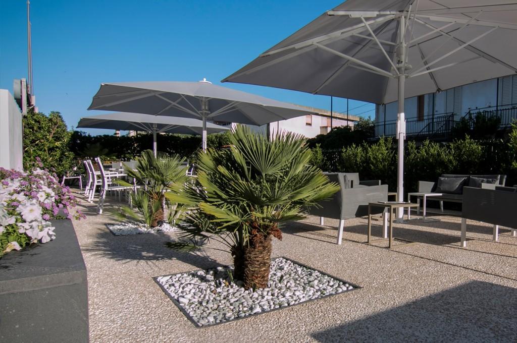 hotel-nettuno-cala-gonone_fotogallery-giardino-3
