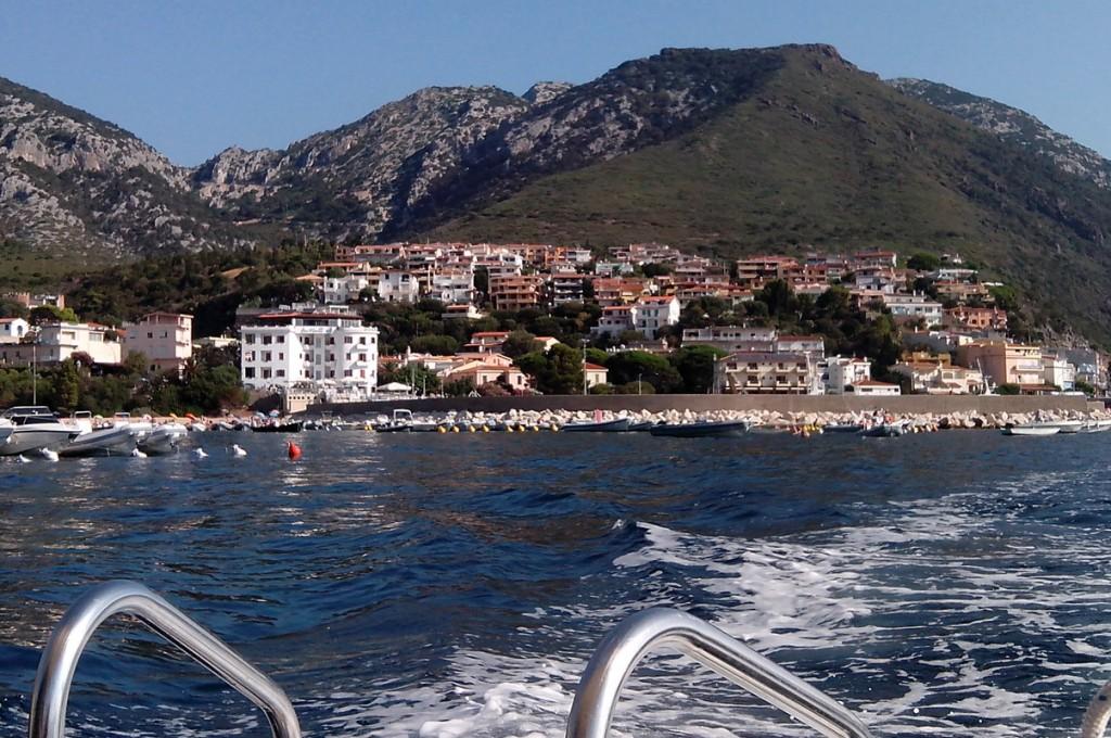 hotel-nettuno-cala-gonone_slider-ambiente-natura-barca-1