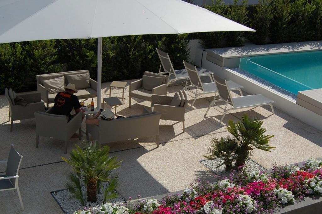 hotel-nettuno-cala-gonone_slider-giardino-piscina-1