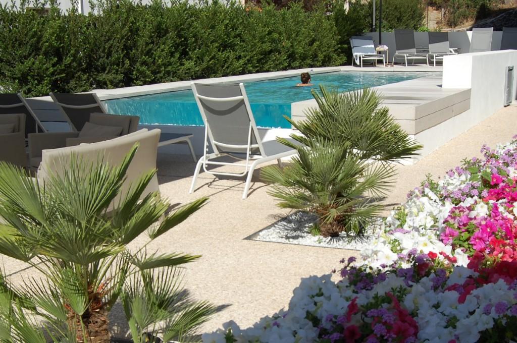 hotel-nettuno-cala-gonone_slider-giardino-piscina-3